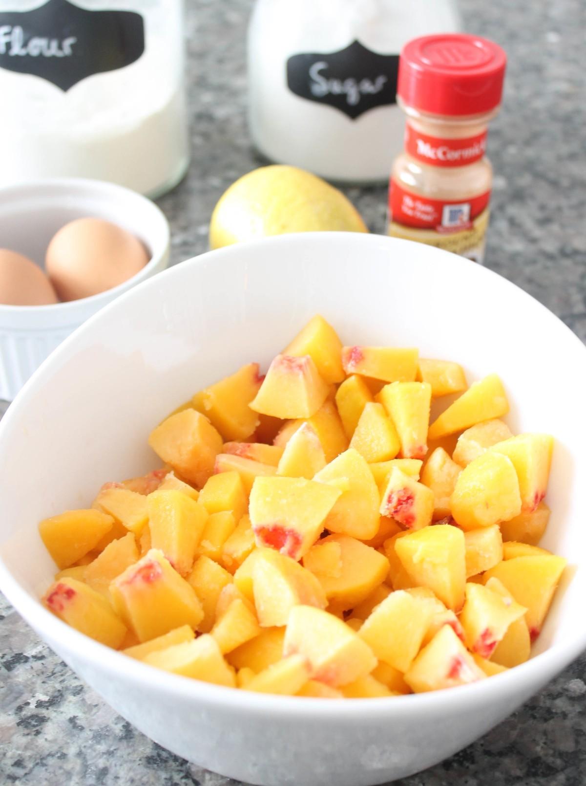 mint-and-peach-wedding-peach-cobbler-recipe.jpg