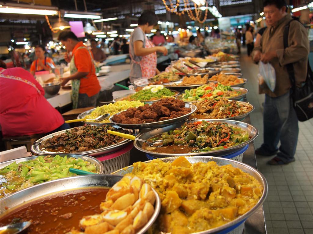 thai-food-in-thailand-20140508155919-536c0c474036c.jpg