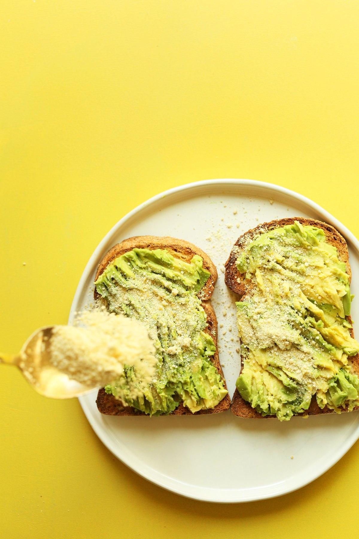 My-GO-TO-Avocado-Toast-5-minutes-3-ingredients-SO-delicious-vegan-glutenfree-avocado-recipe-easy.jpg